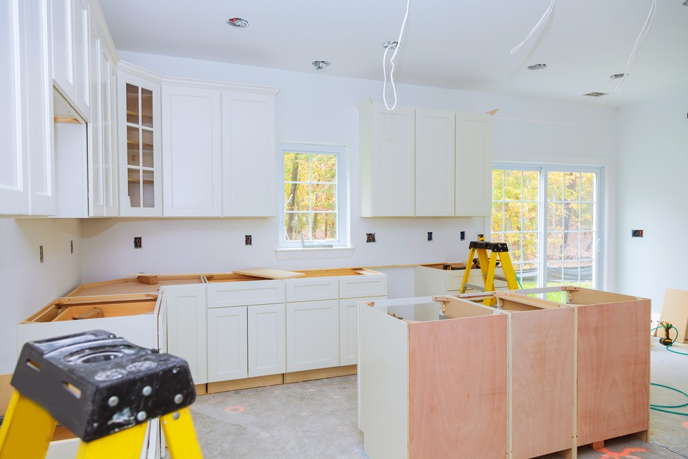 JSB Home Solutions presenting custom kitchen cabinets being installed in Canal Winchester, OH